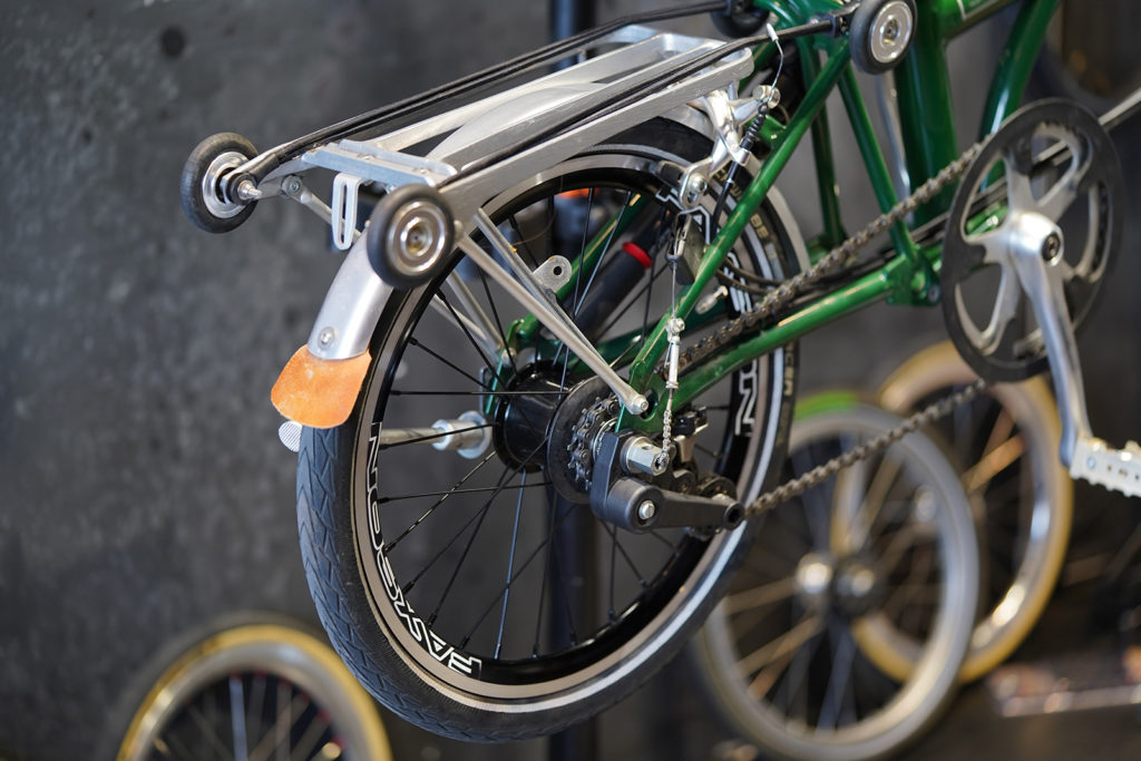 The Faxson rim is built on the Brompton 6-speed rear hub